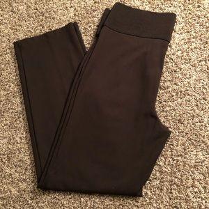 "Dillard's Nygard 3.5"" Elastic SZ L Pants"